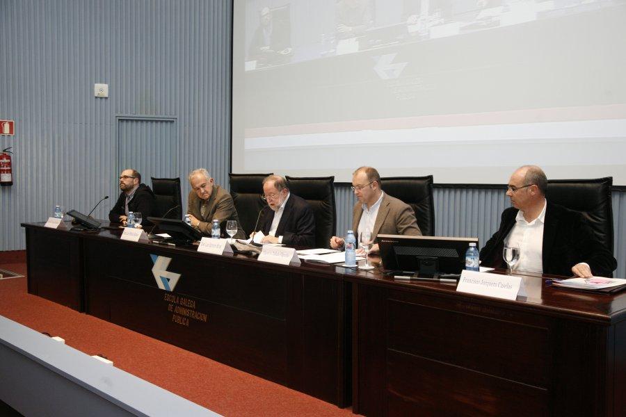 Mesa redonda: A dialéctica entre sistema e baleiro en tempos de crise